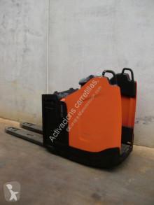 Pallet truck BT LPE 200 PF tweedehands met staanplaats bestuurder