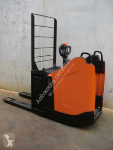 Pallet truck BT LPE 220 PF FRUTERA tweedehands met staanplaats bestuurder