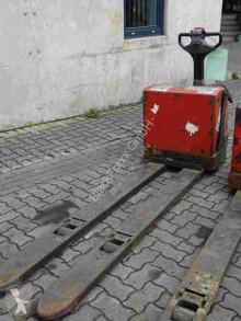 Transpaleta BT LWE 200 usada