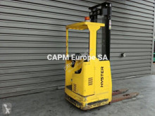 Stacker com conductor asentado Hyster RS 1.5