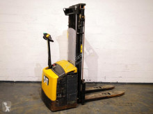 Caterpillar pedestrian stacker NSP16N