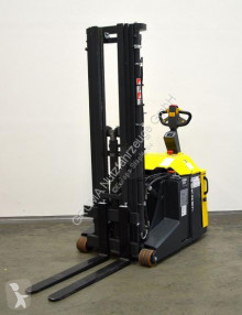 Stacker Combilift CS 1500 usado