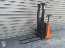 stacker Rocla SW12
