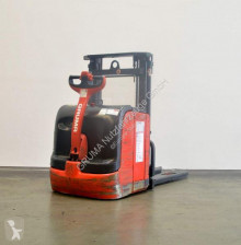 Linde L 14/372-03 stacker used