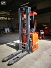 Stacker BT SSE160 *ACCIDENTE*DAMAGED*UNFALL* com conductor de pé acidentado