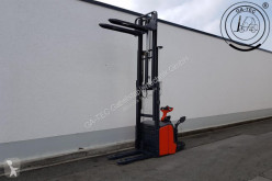 Linde L16APi stacker