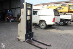 electrotranspalet Crown Crown 1.0 EMT Hochhubwagen mit Freihub 1000Kg Traglast
