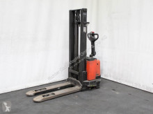 BT SWE 120 stacker
