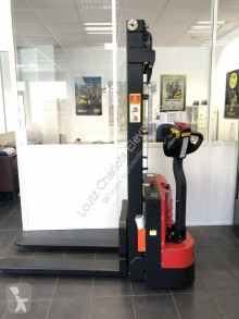 GE 15 3000 stacker used pedestrian