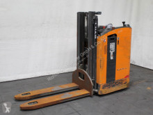 Still pedestrian stacker SD 20