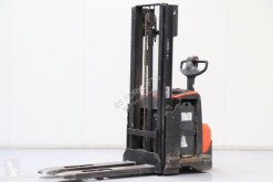 Stacker BT SWE120 usado