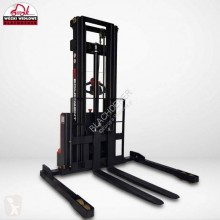 EP stand-on stacker