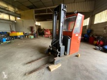 Stacker com conductor asentado BT RRE140MC *A REPARER *TO REPAIR*ZU REPARIEREN*
