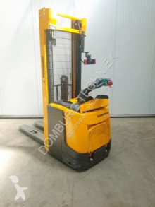 Jungheinrich stacker used
