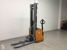 Still pedestrian stacker EGV 16