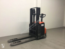 BT pedestrian stacker
