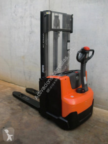 Stacker BT SWE 120 usado