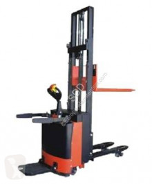 Stacker Noblift CL 1.0 T com conductor de pé novo