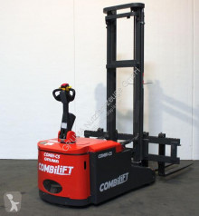Stacker Combilift CS 2350 usado