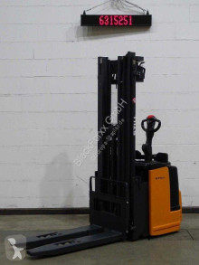Still egv-s14lb/batt.neu stacker used