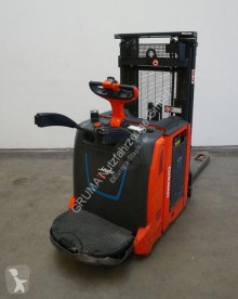 Linde stand-on stacker D 12 AP/133 ION