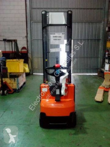 BT stand-on stacker Staxio SWE120L