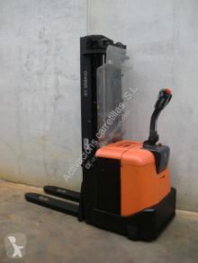 Stacker BT SPE 160 usado