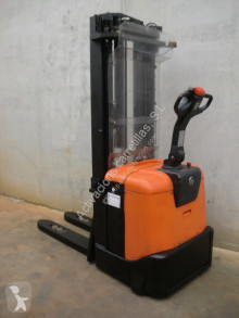 Stacker BT SPE 160 usado