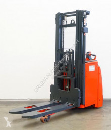 Linde L 20/1173 stacker used