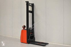 Linde L14 stacker used stand-on