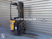 Stacker com conductor de pé Caterpillar NSR16N