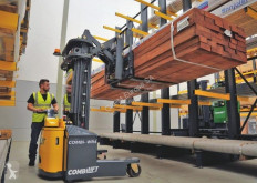 Combilift WR4 stacker new