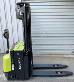 Clark SX12 stacker used