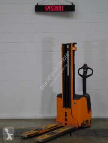 Stohovací zařízení Still egv12 použitý