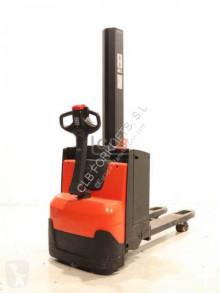 Apilador BT Staxio SWE 080 L usado