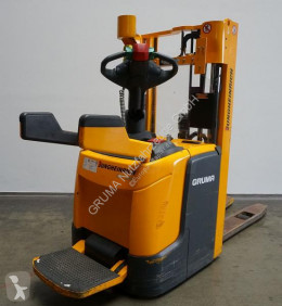 Jungheinrich ERC 210 stacker used stand-on