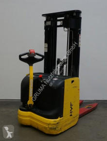 Hyster S1.6 AC stacker used