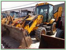 buldoexcavator articulat JCB