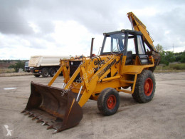 Buldoexcavator Case 680 E second-hand