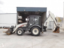 Tractopelle rigide Terex 820 Powershuttle 820