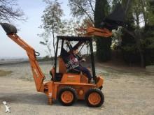 Vedeţi fotografiile Buldoexcavator Bobcat
