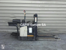 Crown WD2330S order picker used low lift