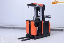 BT medium lift order picker
