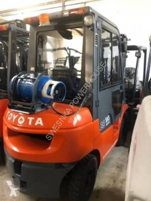 Toyota 7FGF25 order picker