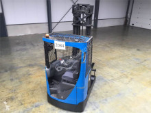 wózek z wysuwanym masztem BT