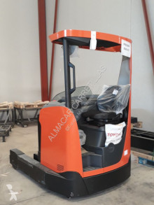 Toyota reach truck used