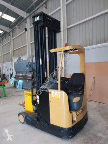 Carretilla retráctil Caterpillar NR16K Forklift truck with few hours of use usada