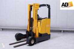 Vozík s výsuvným zdvihacím zařízením Jungheinrich ETV C16 použitý