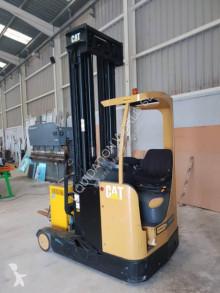 Wózek z wysuwanym masztem Caterpillar NR16K Forklift truck with few hours of use używany