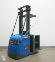 Empilhador com deslocamento lateral Linde V 10/5212 usado